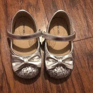 Cherokee silver infant bow flats